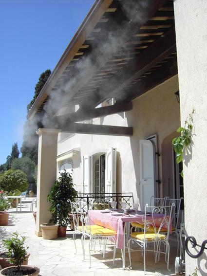 Sistemas de climatizaci n y nebulizadores brumizone for Piscina cubierta alcorcon